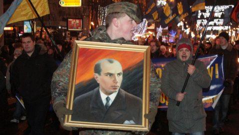 Зеленский: часть украинцев считает Бандеру героем, это нормально и классно