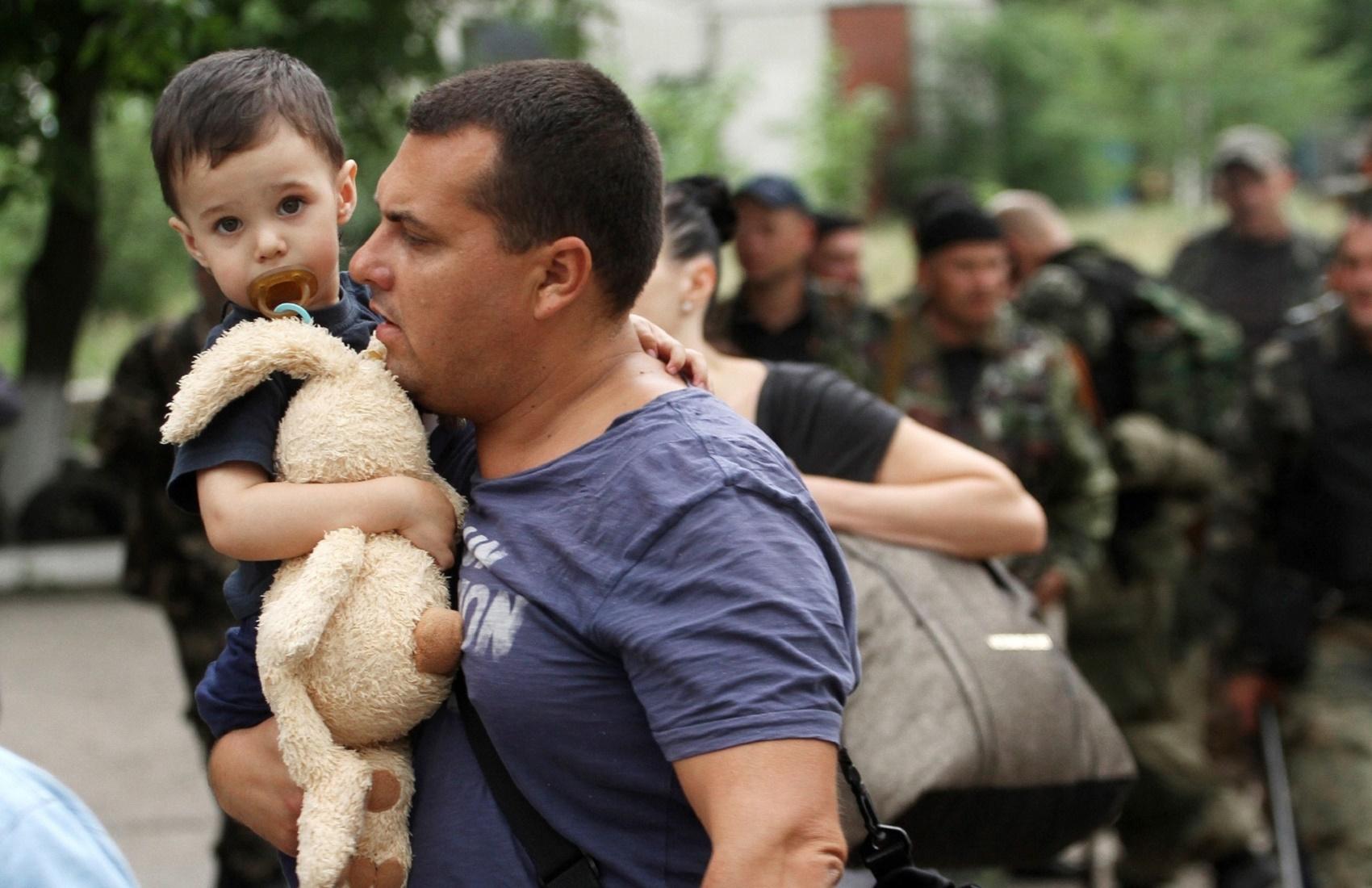 В Миграционной службе рассказали, сколько россиян получили статус беженца в Украине-0