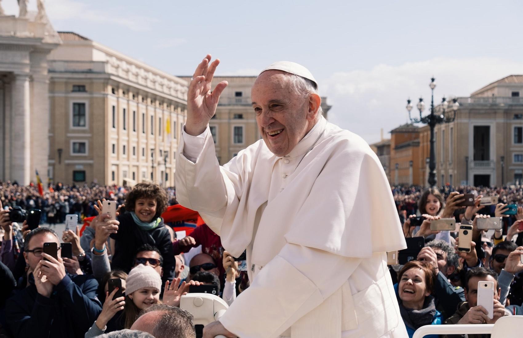 Папа Римский вакцинировался от коронавируса