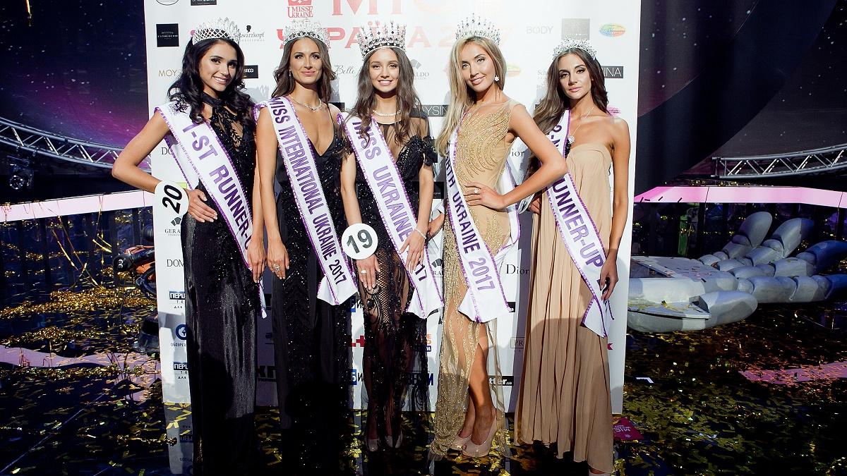 Организаторы «Мисс Украина» не могут найти конкурсанток без имплантов и не работавших в эскорте