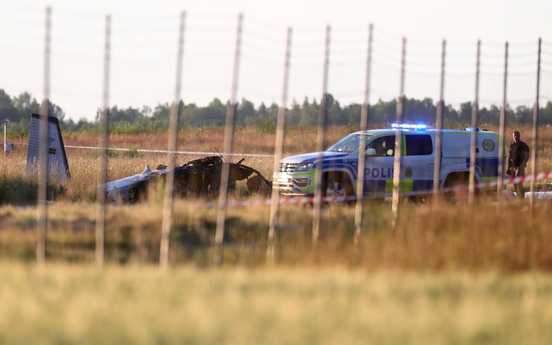 В Швеции разбился самолет с парашютистами: 9 погибших (фото) - 1 - изображение